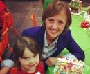 Майка организира рождени дни за бездомни деца