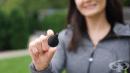 Вижте какво означава, когато една жена носи този малък черен кръг