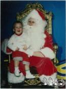 Снимки на двама братя с Дядо Коледа, запазили традицията в продължение на 34 години