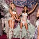Модното шоу на Victoria`s Secret за 2014 година – по-бляскаво от коледната елха на Рокфелер Плаца (Снимки)