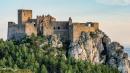 Невероятните защитни механизми на средновековните замъци