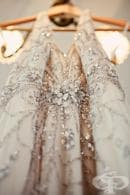 Треска за злато: Избягайте от бялото с 20 бляскави булчински рокли със златисти нюанси