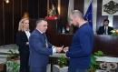 Кметът на Сливен награди медици от две болници за проявен професионализъм