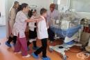 """Ученици направиха дарение за недоносените бебета в МБАЛ """"Д-р Иван Селимински"""" - Сливен"""