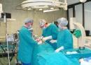 """Демонстративна операция за поставяне на съвременен модел изкуствена тазобедрена става в МБАЛ """"Св. Анна"""" във Варна"""