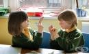 Парламентарната социална комисия отхвърли приемането на езика на глухите за официален