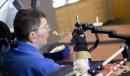 Мозъчни импланти превръщат мисли в движения при парализиран мъж