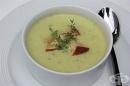 Зеленчукова крем-супа от тиквички с топено сирене, чесън и лук