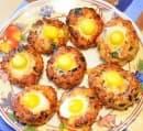 Кюфтета Пауново око с пъдпъдъчи яйца и кашкавал