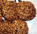 Овесени бисквити с ядки, сушени плодове и мед