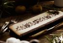 Сочен ябълков сладкиш с лимонови корички
