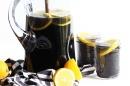 Пречистете организма чрез детокс лимонада с активен въглен