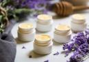 Подхранете устните с балсам от мед и лавандула