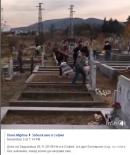 Как една Задушница може да предизвика Фейсбук война, в която няма победител