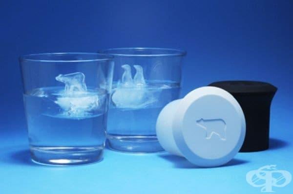Форми за лед, които запълват вашата чаша с кристални полярни мечки и пингвини.