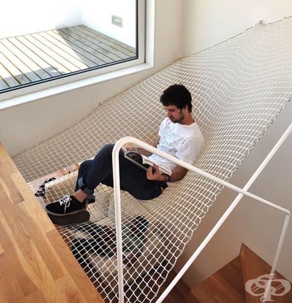 Всичко, което си представяте може да стане реалност, така че може би е време да си направите хамак над стълбите.