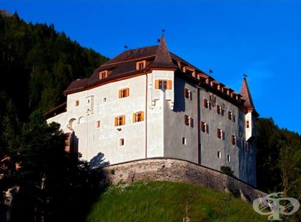 В замъка на Ландсберг в Източен Тирол, Австрия бе направено пикантно откритие.