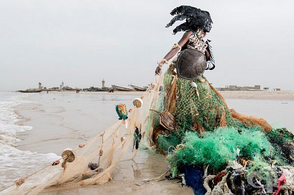 Глобални екологични проблеми, представени като модели в снимки на Фабрис Монтейро - изображение