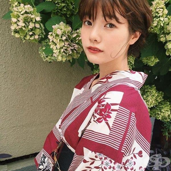 Япония. Жените от Япония смятат, че ружът трябва да се поставя в зоната под очите, а не на скулите. Прието е да се подчертават очите със сенки или очна линия. На устните подхожда гланц или червило в розов нюанс.