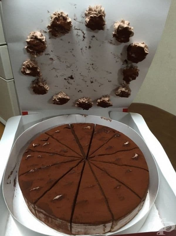 Трябвало е да вземат по-висока кутия за торта.
