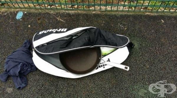 """""""Точно преди да започна тренировката си по тенис, забелязах, че приятелят ми е сменил ракетата с тигана. Не ми беше никак забавно!"""""""