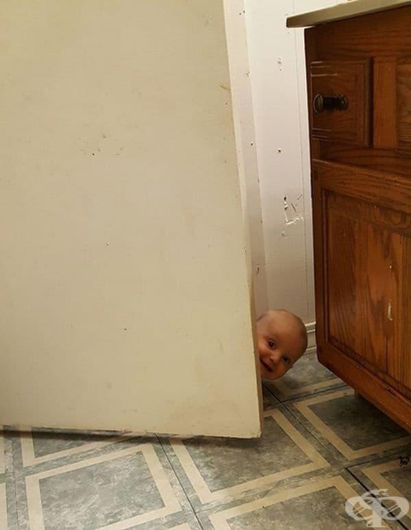 """""""Влязах в банята и забравих да заключа вратата."""""""