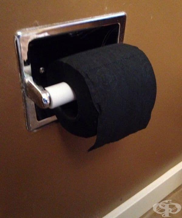 Черна тоалетна хартия