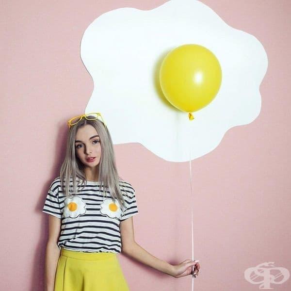 Момичето учи в Политехническия университет, където изучава 3D графики, живопис и дизайн.