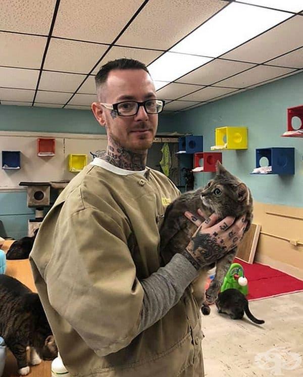 Пред няколко години Лигата за защита на животните в щата Индиана стартира прекрасна програма в Pendleton Correctional Facility, наречена F.O.R.W.A.R.D.