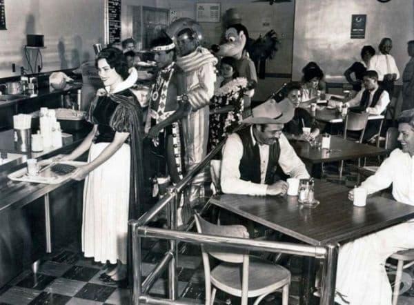 Столова за служителите на Дисни, 1961г.