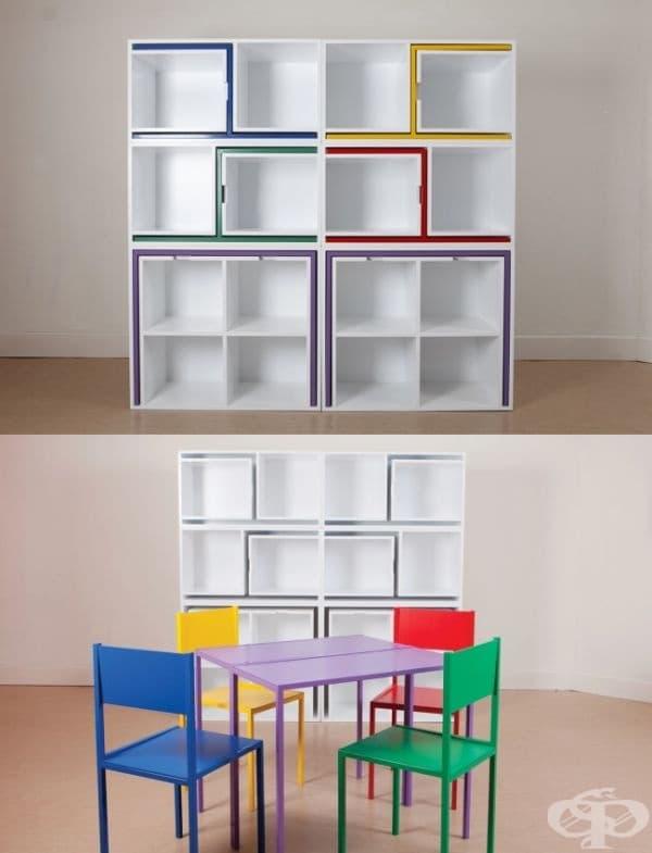 Маса и столове, вградени в шкаф.