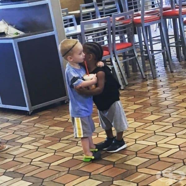 """""""Моят племенник създаде приятелство само за 5 минути."""" Всички деца се раждат с любов в сърцето. Нашата мисия е да запазим тази любов."""