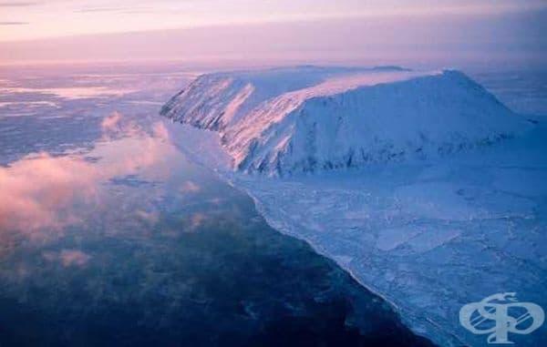 Това е остров между Русия и САЩ, който се намира на 35 км. и от Чукотка, и от Аляска. Разликата във времето обаче е 21 часа.