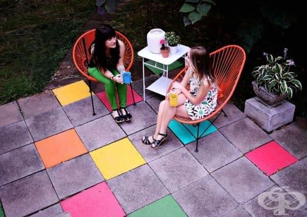 Цветни плочки - цветовете могат да накарат сивите плочки да изглеждат невероятно.
