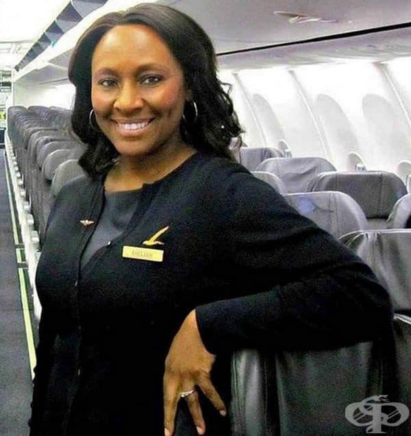 Тази жена е от персонала на известа авиокомпания. Тя забеляза странна двойка сред пътниците: възрастен мъж и малко момиченце. Следвайки своя инстинкт, тя спаси детето от увличане.