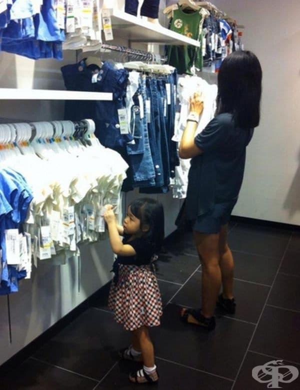 Като всички жени, и малките дами обичат да пазаруват.