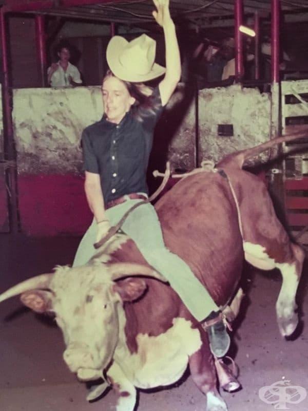 """""""През 1976 година, баща ми (на 18 години) се измъкна от дома на баба ми в Калифорния и нае автобус за 36 часа, само за да отиде на родео в Тексас."""""""