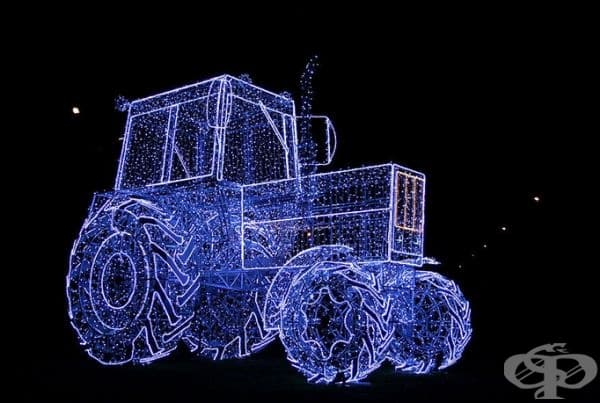 През миналата година също е имало подобни инсталации, като този трактор например.