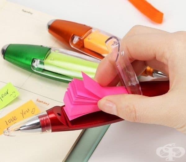 Химикалка с листчета за записки.
