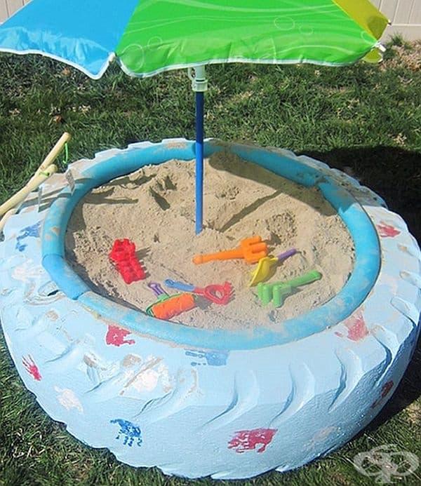 А големите гуми са чудесни за детски пясъчник в двора.