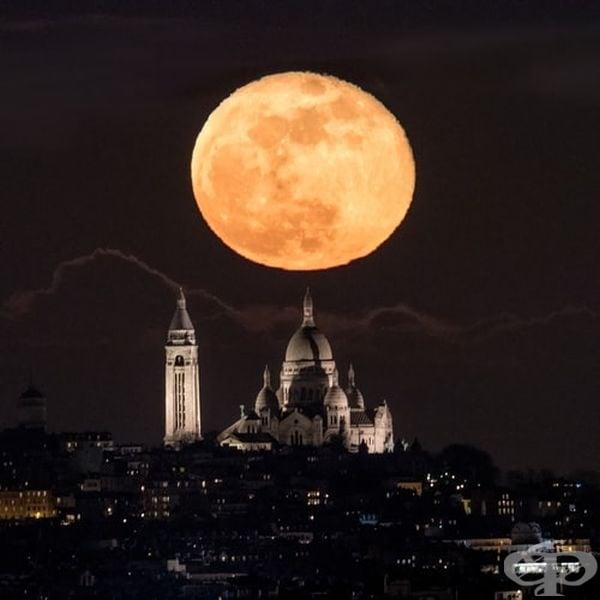 Когато луната сама избира къде да застане и как да свети.