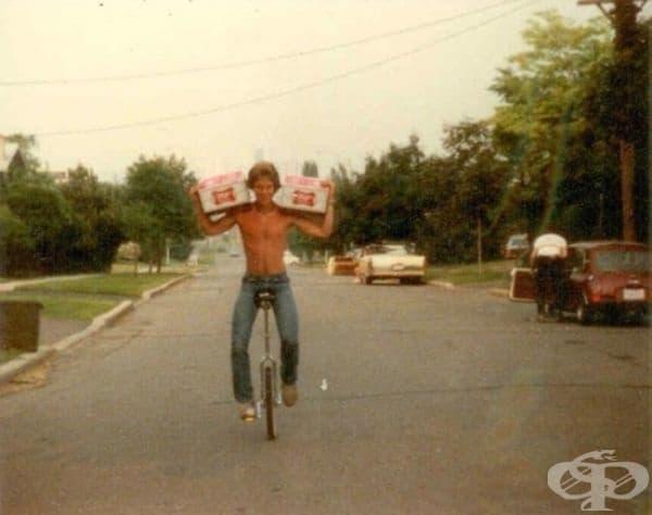 """""""Баща ми кара велосипед с 40 бутилки бира на раменете."""""""