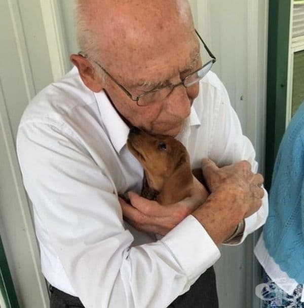 """""""Взех си ново кученце от приют за бездомни животни и веднага станахме най-добри приятели""""."""