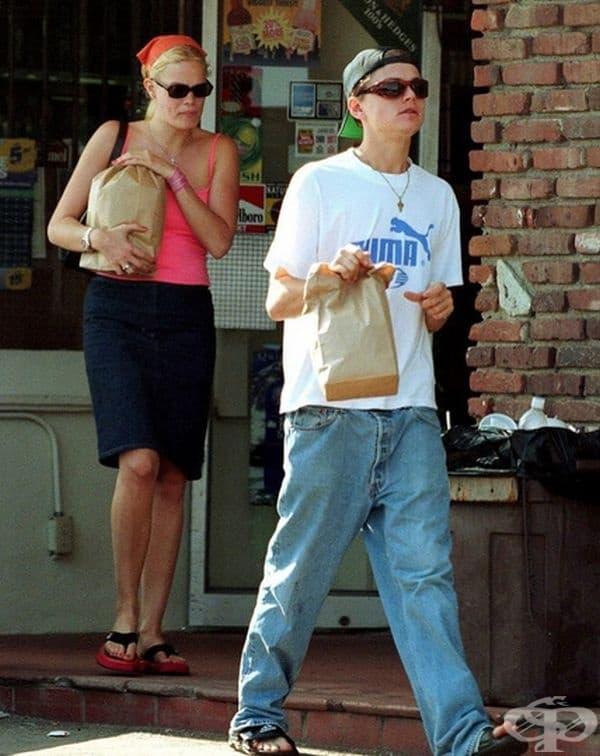 Леонардо Ди Каприо и Кристен Занг, забелязани на щанд на бургери в Санта Моника през 1999 г.