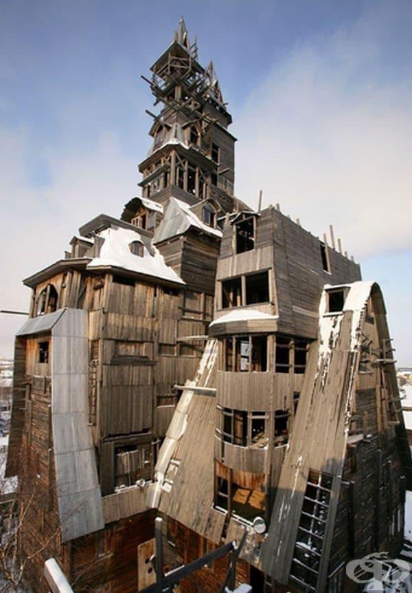 Най-високата дървена къща в света. 13-етажната постройка е изградена изцяло от дървен материал, без нито един пирон.