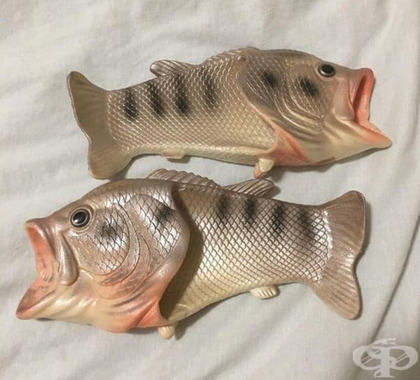 Пантофи във формата на риба.