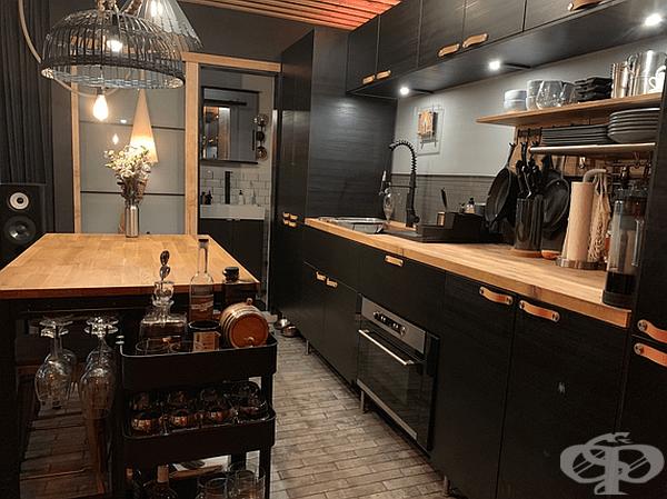 Просторна кухня.