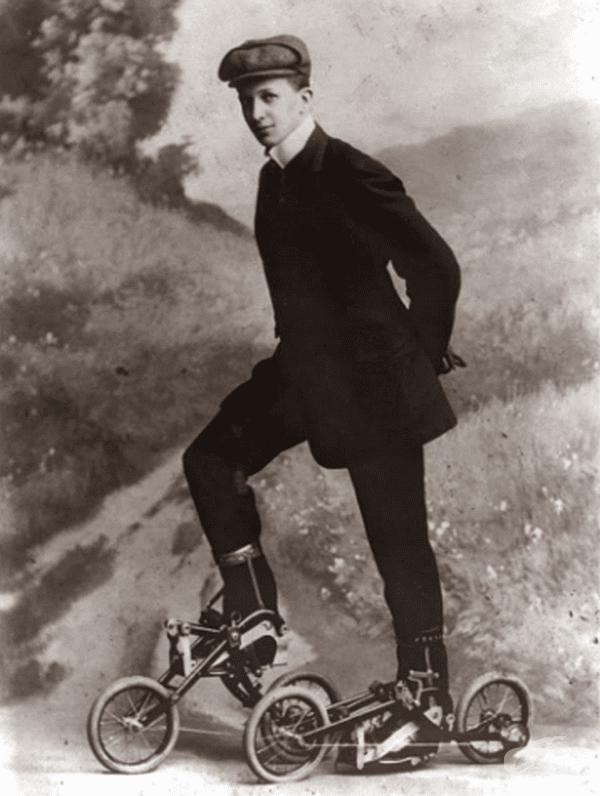 Кънки с педали, 1910 г.