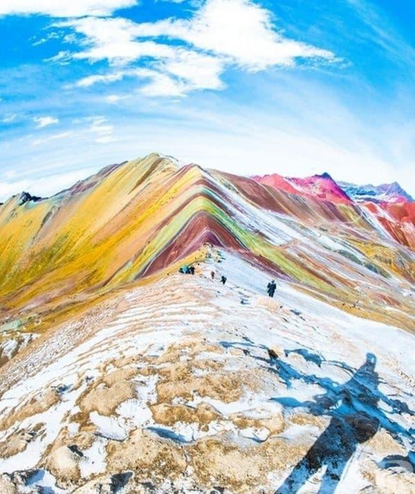 Планината дъга (Rainbow Mountain) в Перу.