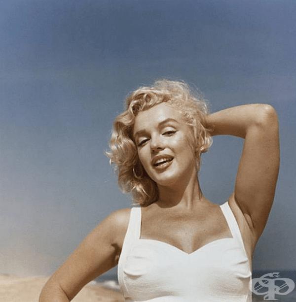 Родена и израснала в Лос Анджелис, Мерилин прекарва по-голямата част от детството си в приемни домове и се омъжва много млада.